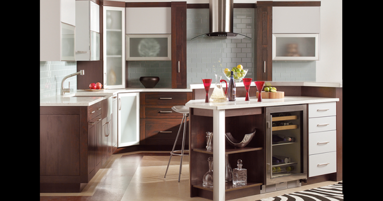 Family Oriented and Fresh – Our Favorite Elements of a Modern Kitchen!